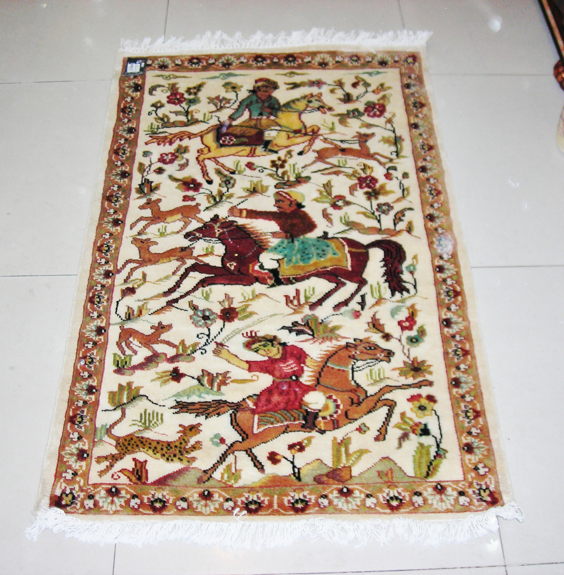 Moghal Hunting silk pictorial 2.5x4 ft persian rug no. 6733